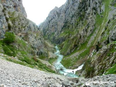 Ruta del Cares - Garganta Divina - Parque Nacional de los Picos de Europa;viajes de aventura